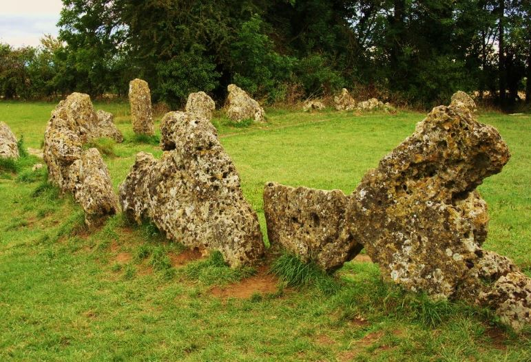 Rollright Stones, paranormal news, Bizarre, Horror, Unsolved Mysteries