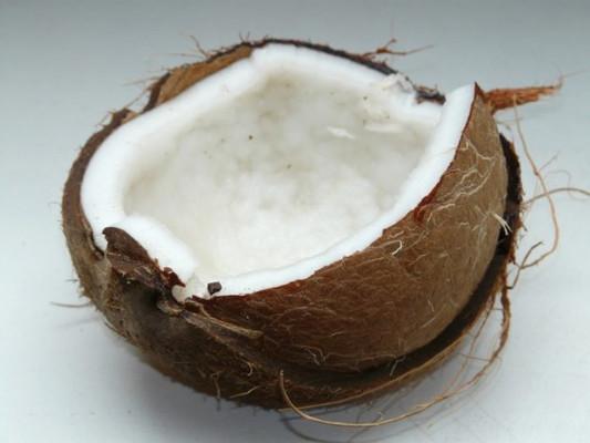 Naują kokosų aliejaus savybę kuri neseniai buvo atrasta!