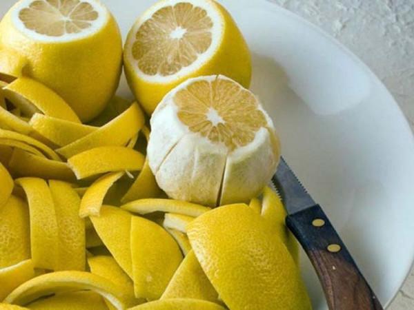 Citrinos žievelėse 10 kartų daugiau vitaminų nei jų sultyse