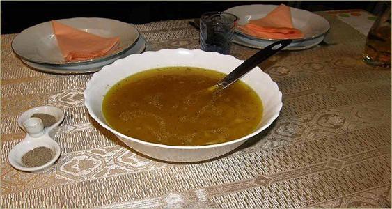 Česnako sriuba stibresnė nei antibiotikai