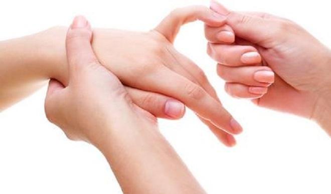 Ką daryti su dešinės rankos pirštų sustingimu