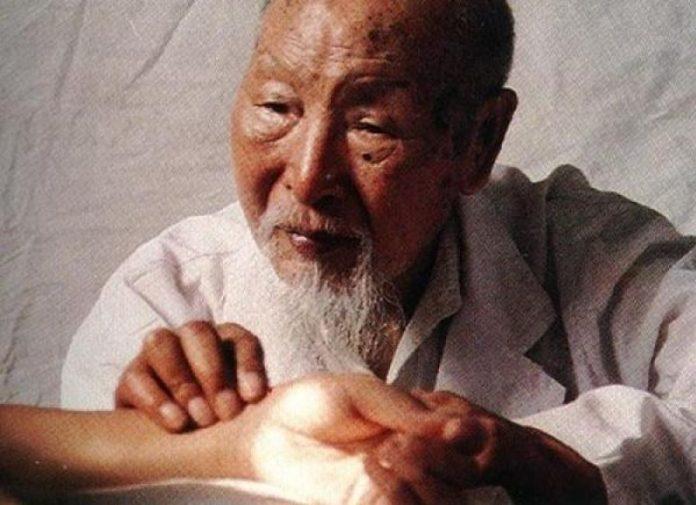 Kinų žolininkas atrado stebuklingo eliksyro paslaptį, kuris išgydo 9 ligas! Atstato kepenis, inkstus ir kasą!