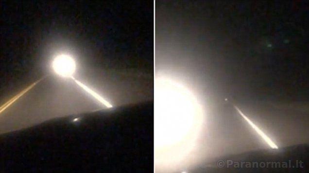 JAV vairuotojas užfiksavo kelyje didžiulį baltą šviečiantį kamuolį