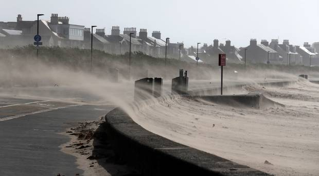 Ali, audra, jk, Jungtinė Karalystė, krituliai, lietus, orai, potvynis